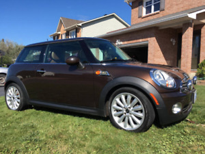 10 200$ OBO 2010 MINI COOPER MAYFAIR EDITION