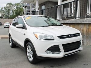 2014 Ford Escape SE / 1.6L I4 / Auto / 4x4 **Great Mileage**