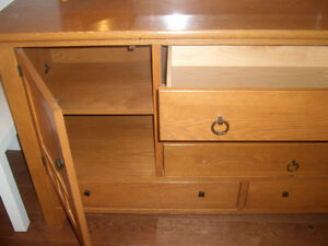 Oak Drawer with mirror in very good condition for FREE