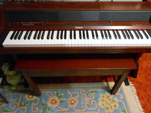 used piano bench buy sell items tickets or tech in toronto gta kijiji classifieds. Black Bedroom Furniture Sets. Home Design Ideas