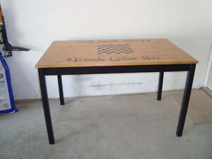 GREAT CASUAL TABLE
