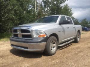 2010 Dodge Ram 1500 Crew  Hemi 4x4 14900$