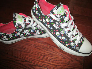 Converse All Star ladies size 8 mens size 6 Kitchener / Waterloo Kitchener Area image 1