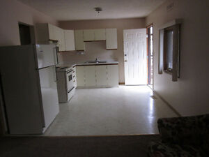 2 bdrm $670/mon  Sept 1st  nonsmoking, Includes all utilities