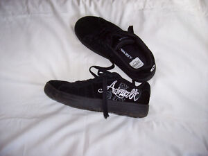 Airwalk black graphic skate shoes