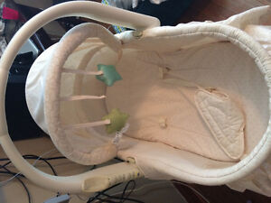 Bassinet with change table