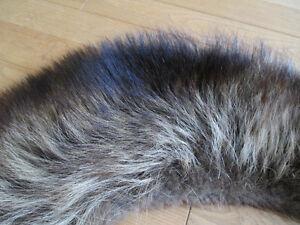 Canadian Fur collar/ Col en fourrure canadienne