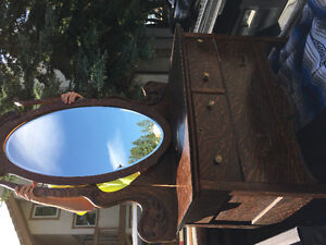 Antique Vintage curved front dresser Fumed Oak w/ beveled mirror