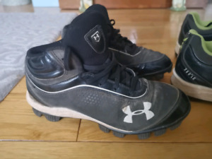 size 3 Under Armour baseball cleats