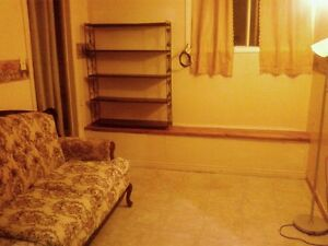 1 bedroom, heat, electricity included,