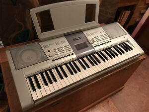 Yamaha Electric Keyboard PSR 295, USB equipped