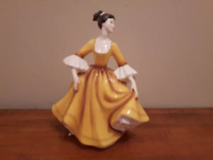 ROYAL DOULTON DISCONTINUED STEPHANIE FIGURINE 1976