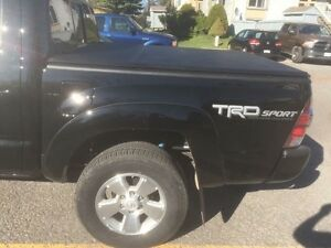 Toyota Tacoma Tonneau Cover 5' Foot Short Bed