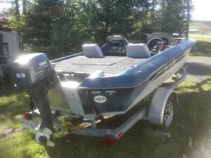 78 BASS TRACKER BOAT AND 2007 VENTURE TRAILER