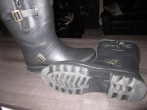 """Rain Boots, """"totes"""" size 8, Brand New"""