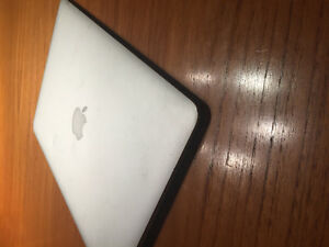 2012/2013 MACBOOK AIR