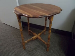 Wooden Gateleg Drop Leaf Table $55