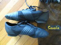 *Like New* Sansha Split Sole Black Leather Jazz Shoes Size 3M