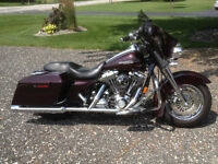 """2007 Street Glide Cherry """"Can be seen at 835 county rd 2  """""""