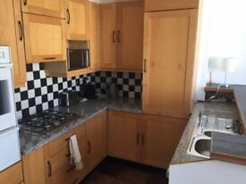Looking for bright, clean , modern flatshare in Earls Court? Just reduced and available now!
