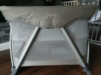 Nuna Mini Travel Cot