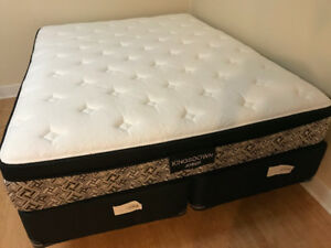 Superb quality queen mattress and split boxspring  ALMOST NEW!