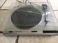 Pioneer PL-470 turntable
