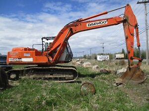 220 Daewoo excavator for sale
