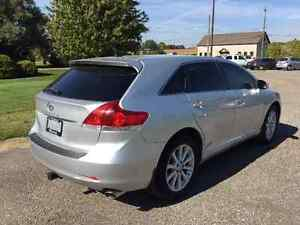 2011 Toyota Venza Crossover - One Owner - Only 90299km!! Kitchener / Waterloo Kitchener Area image 5