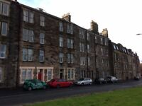 2 bedroom flat in Lower Granton Road, Trinity, Edinburgh, EH5 3RX