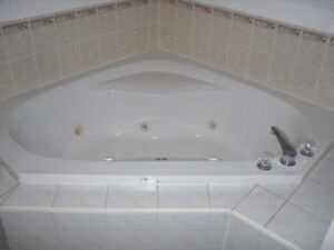 Selling Jacuzzi-Bathtub In Perfect Condition!