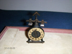 COLLECTIBLE METAL CLOCK PENCIL SHARPENER-1980'S-UNIQUE!