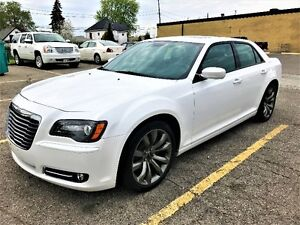 2014 CHRYSLER 300 SPORT - Leather, Camera, Sunroof, Beats Audio