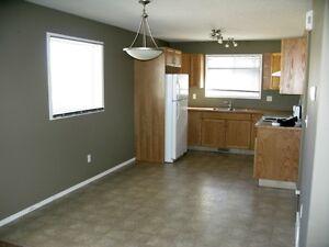 Available Nov - 2 Bedroom 1.5 Bathroom - 4-Plex Unit in Penhold
