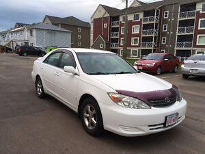 2004 Toyota Camry LE (White) with low kilometers