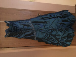 Sposa Brand Royal Blue Grown with Sash and Garment Bag.