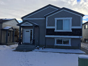 *RENT REDUCED* - 3 bedroom pet friendly condo for rent in Leduc