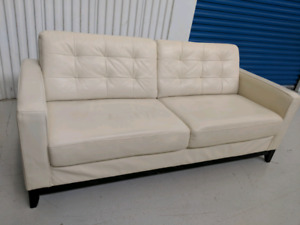 White   Genuine   Leather  Sofa.     Free    Delivery   in GTA.