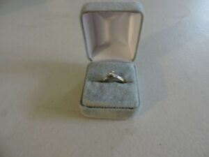 Antique Size 8 Diamond Ring