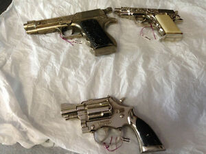 2 VINTAGE CHILD CAP GUNS HUBLEY TROOPER & HALCO MILITARY