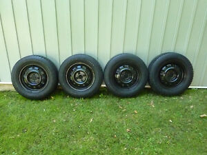 "Honda 14"" Snow Tires and Rims,,,,,, REDUCED PRICE !!!"