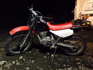 Honda dirt bike, 1,000$ Williams Lake Cariboo Area image 8