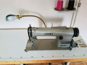 Juki DDL-555 industrial Straight stitch sewing machine