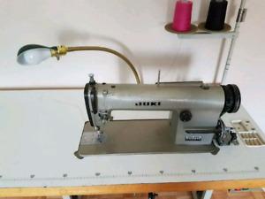 Juki DDL-555 industrial Straight stitch sewing machine