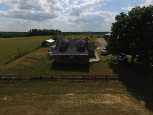 Room for rent in County House, Large Farm Kawartha Lakes Peterborough Area image 1