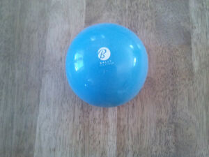 Bally, 3lb hand weight (exercise ball)