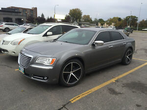 2012 Chrysler 300-Series Limited Open to Trades