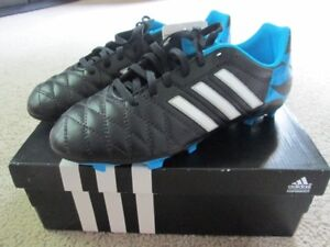 ADIDAS Soccer Shoes US Youth 5.5 and 6.0 – still in boxes