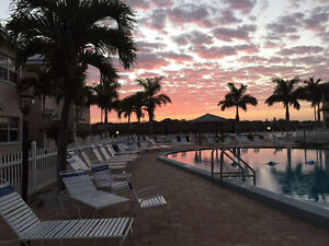 Florida 1 Bedroom condo Barefoot Beach Resort for rent