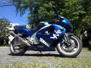 Yamaha YZF1000 - Very fast motorcycle